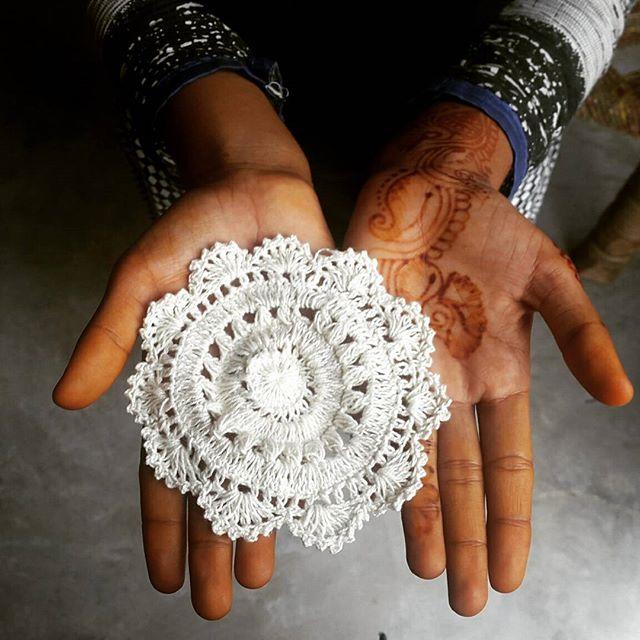 Hand done crochet by the women of Uttar Pradesh.
